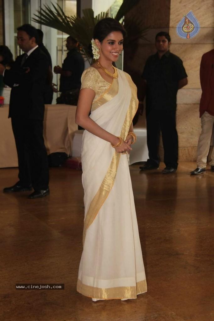 Genelia n Ritesh Wedding Photos - Photo 149 of 176
