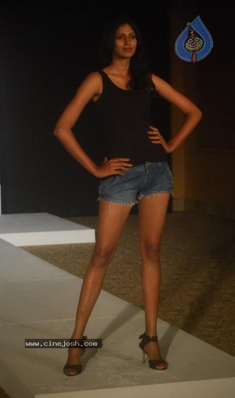 Lakme Fashion Week Model Auditions