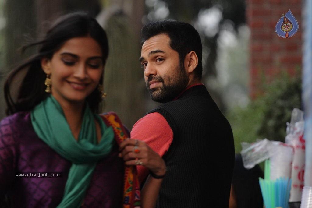Raanjhanaa Film Stills...