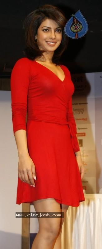 Red Hot Priyanka Chopra Launches IPL Ticket - 2 / 11 photos