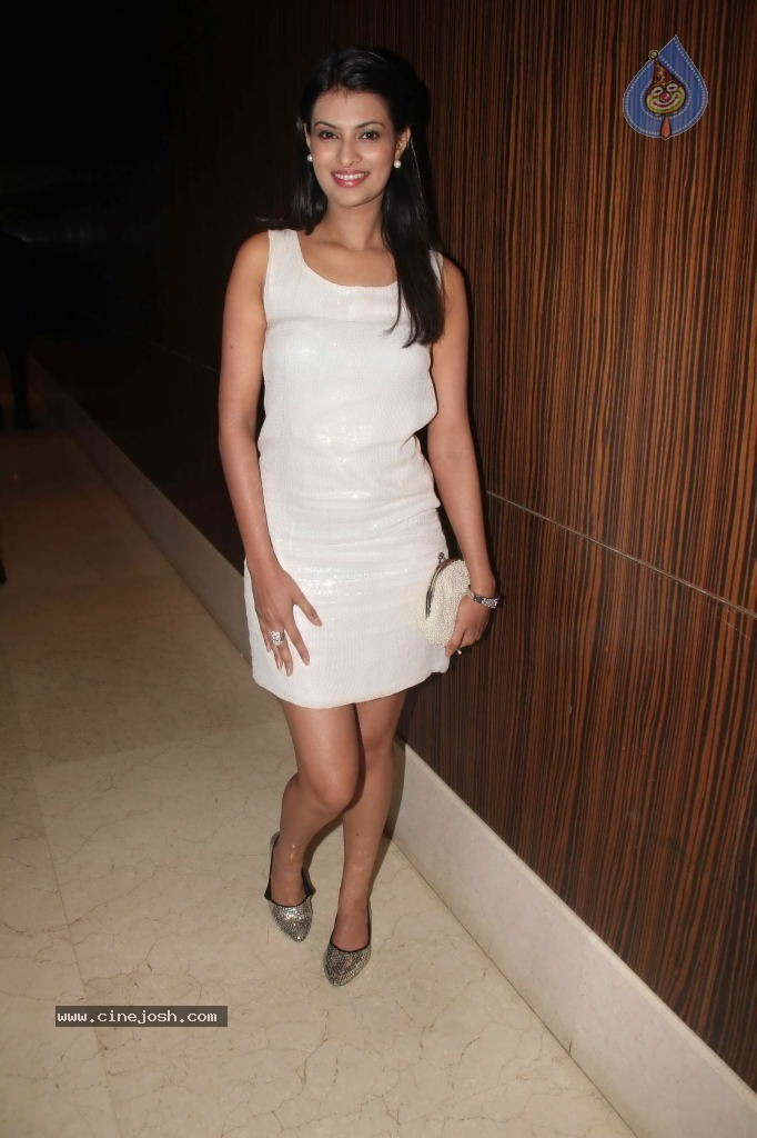 Sayali Bhagat Launches Cellulike Data Card - 48 / 79 photos