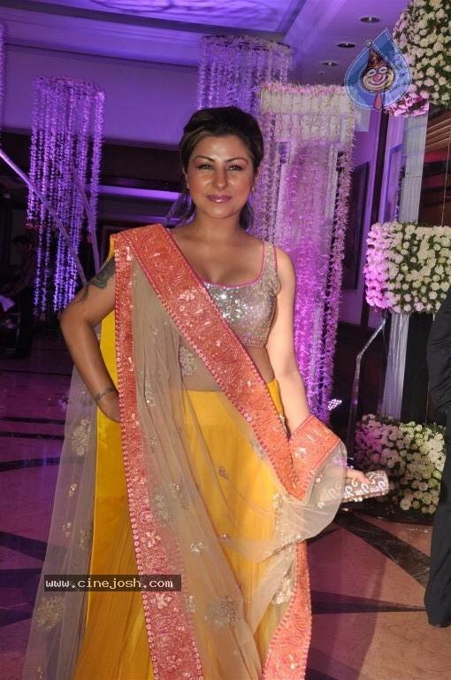 Singer Sunidhi Chauhan Wedding Reception