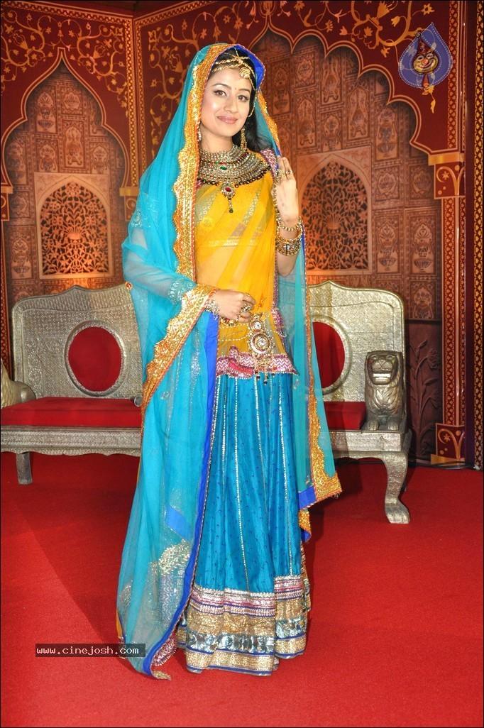 Zee TV Jodha Akbar Show Launch - Click for next photo