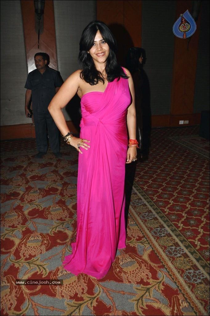 Aisi Deewangi Dekhi Nahi Kahi Online | Zee-TV Serial