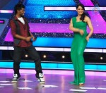 Bipasha Promote Jodi Breakers on Dance India Dance - 4 of 33
