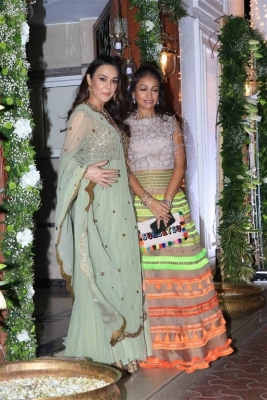 Celebrities at Shilpa Shetty Diwali Bash 2018 - 11 of 42