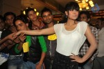 veena-malik-100-kisses-record-event