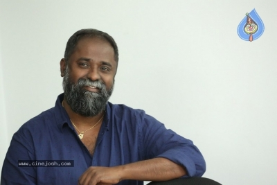 Director K.V Guhan Interview Photos - 8 of 13