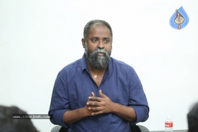 Director K.V Guhan Interview Photos - 10 of 13