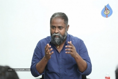 Director K.V Guhan Interview Photos - 13 of 13