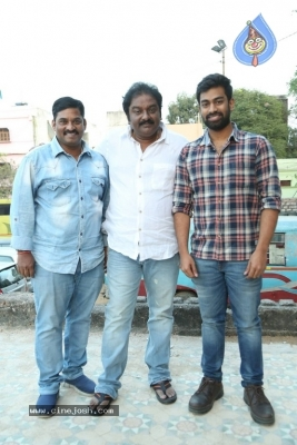 London Babulu Movie Ticket Launch By VV Vinayak - 6 of 9