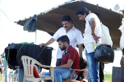 Meda Meeda Abbayi Working Stills - 8 of 13