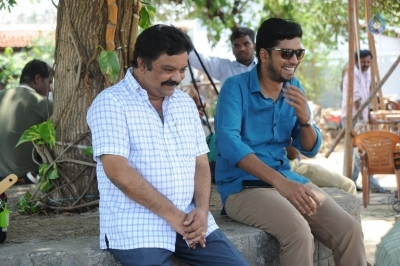 Meda Meeda Abbayi Working Stills - 13 of 13