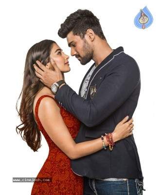 Saakshyam Photo and Poster