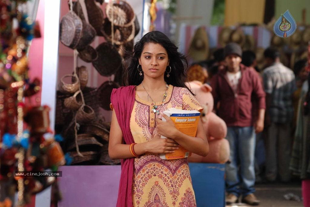 18 Vayasu Tamil Mp3 Songs Download MassTamilan