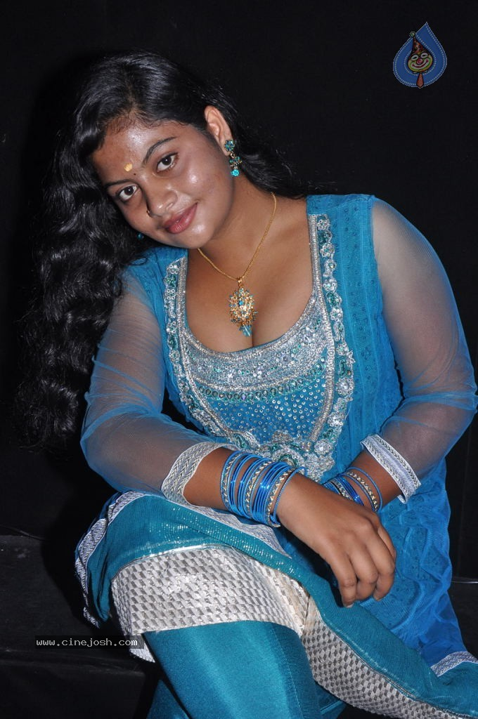 Tamil hot aunties pictures