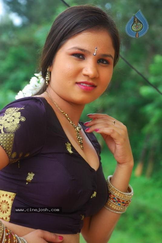 errrotic stills from kalla parunthu tamil b grade movie