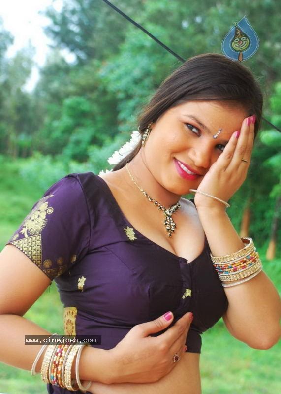 errotic stills from kalla parunthu tamil b grade movie