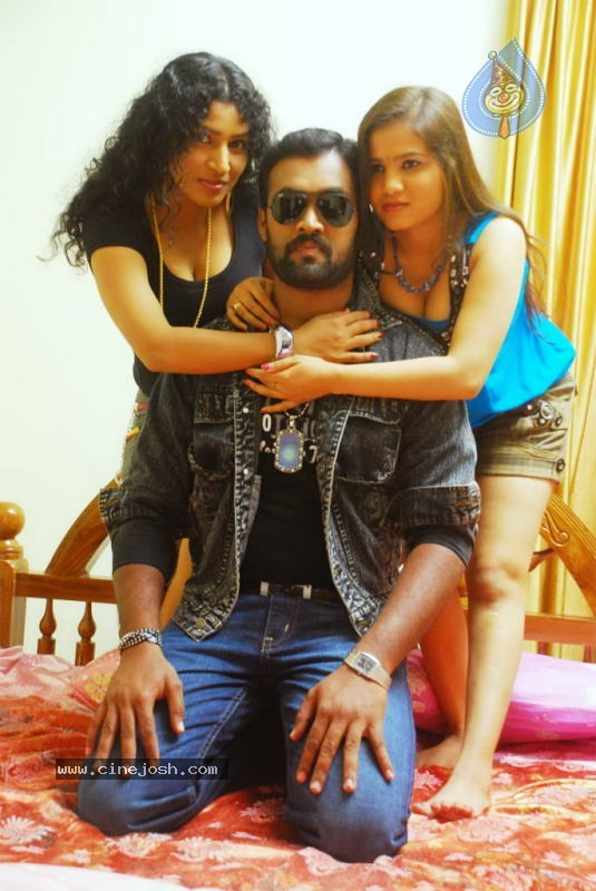 Kalla Parunthu Tamil Movie Spicy Stills