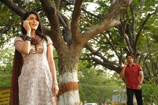 Kaffi Bar Movie Stills - 70 / 147 photos
