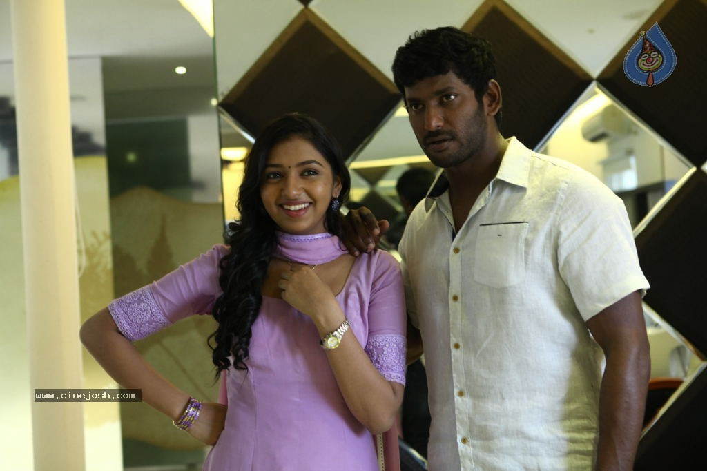 Naan Sigappu Manithan Tamil Movie New Stills - Photo 12 of 33 Naan Sigappu Manithan Lakshmi Menon Hot Stills