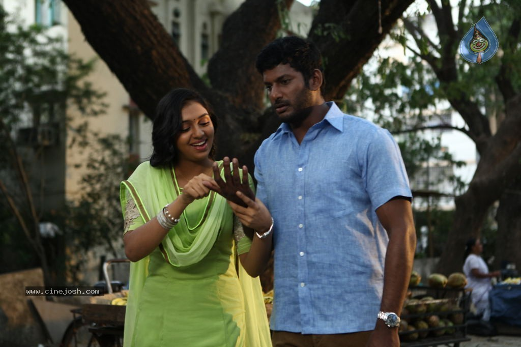 Naan Sigappu Manithan Tamil Movie New Stills - Photo 20 of 33 Naan Sigappu Manithan Lakshmi Menon Hot Stills