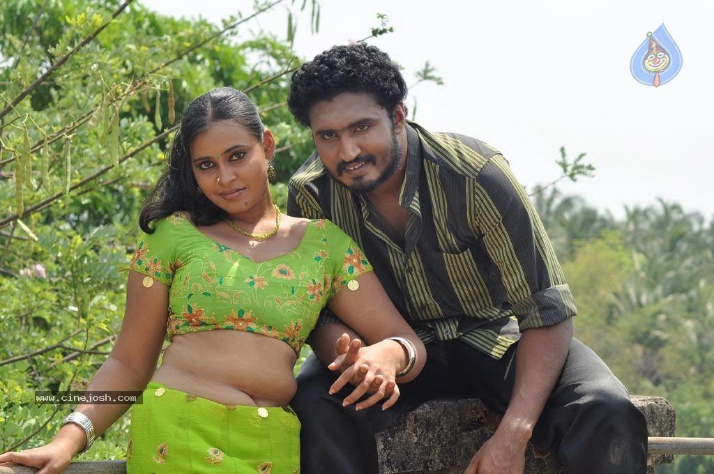 nadodi kkoottam tamil movie hot stills photo 3 of 31