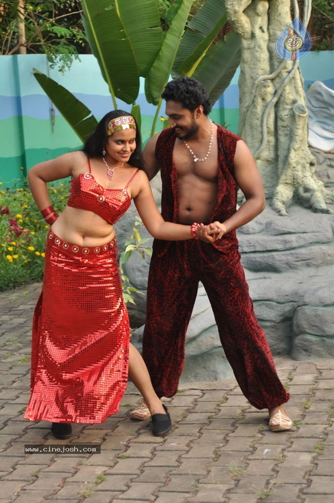 Bollywood actor nude in public movieture