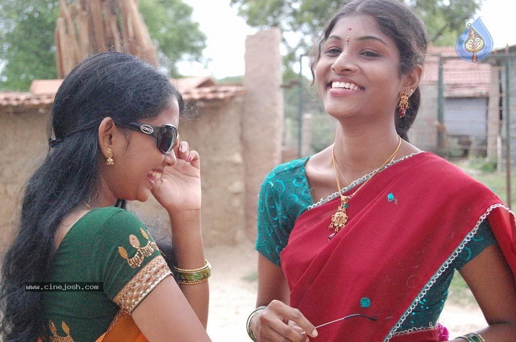 "nila meethu kadhal movie online Telugu actress prianka saree stills at tollywood upcoming flick xyz movie audio release ""xyz"" actress priyanka in transparent ""nila meethu kadhal."