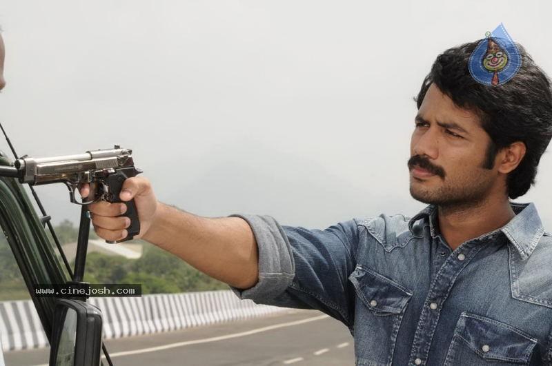 Padam Paarthu Kathai Sol Tamil Movie Stills Padam Paarthu Kathai