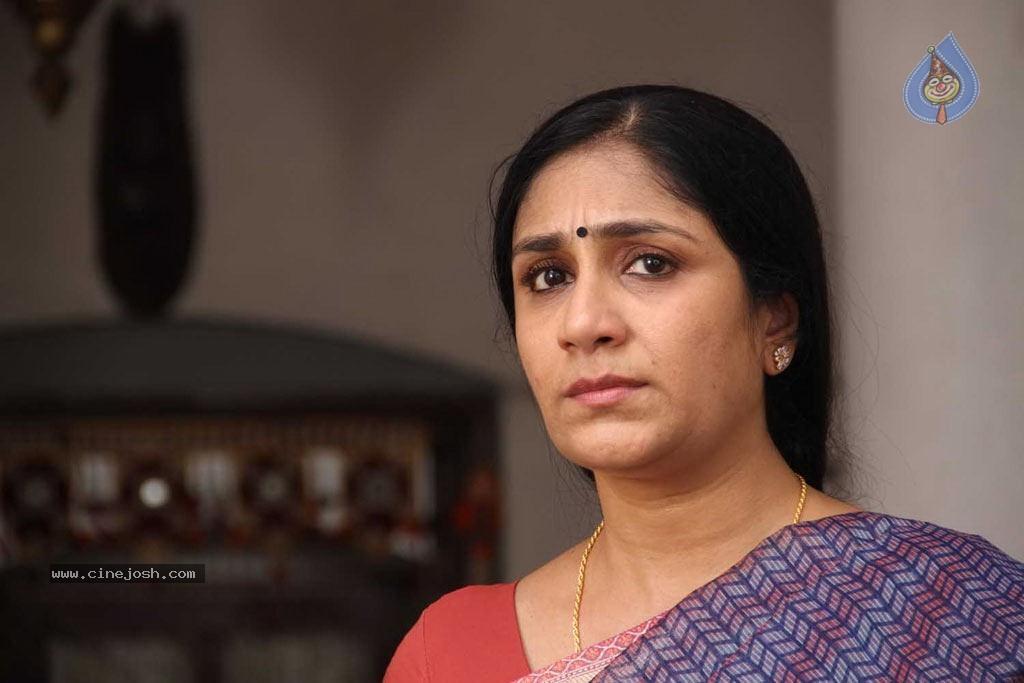 - puthagam_tamil_movie_stills_1911120947_0076