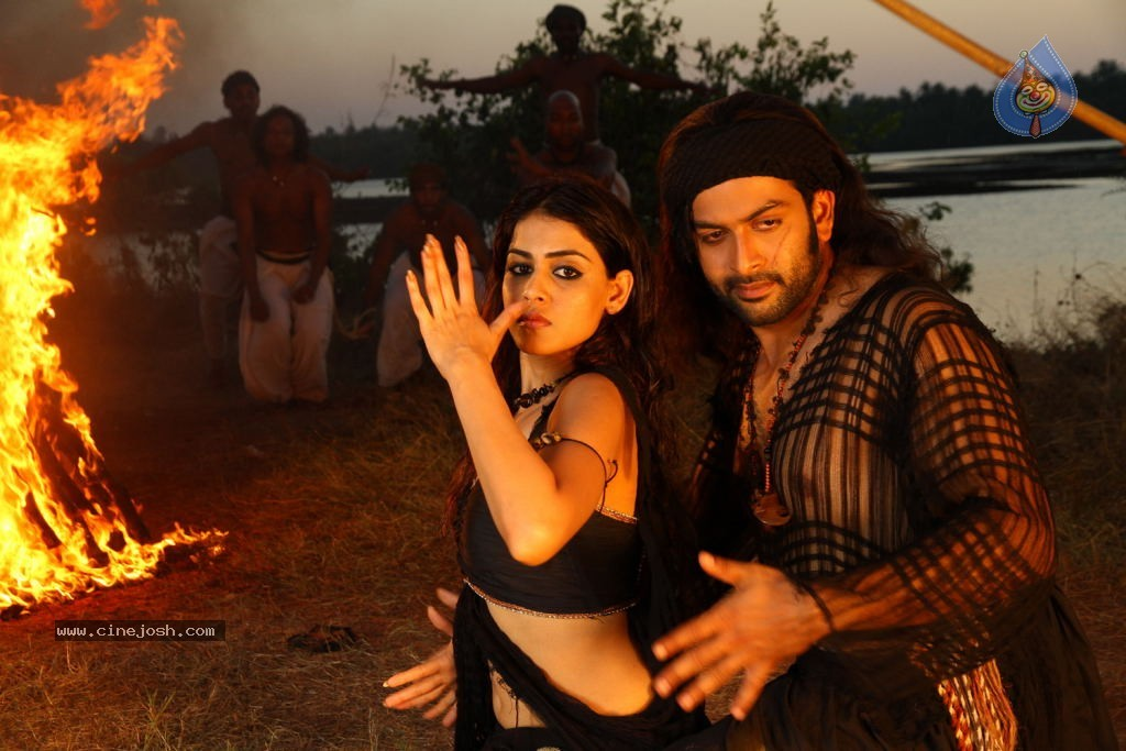 Urumi Movie New Stills - 40 / 56 photos