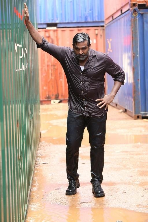 Vikram Vedha Tamil Movie Photos - Photo 2 of 37