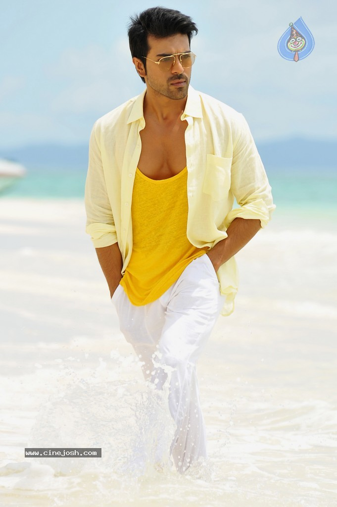 Yevadu New Stills - 5 / 5 photos