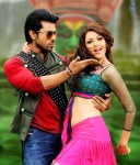 naayak-movie-new-stills