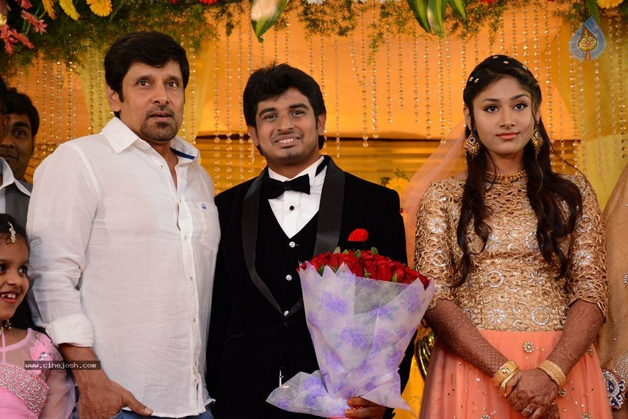Abbas (Tamil Actor) Abbas (Tamil Actor) Movies News. - FilmiBeat Actor vikram wife shylaja photo