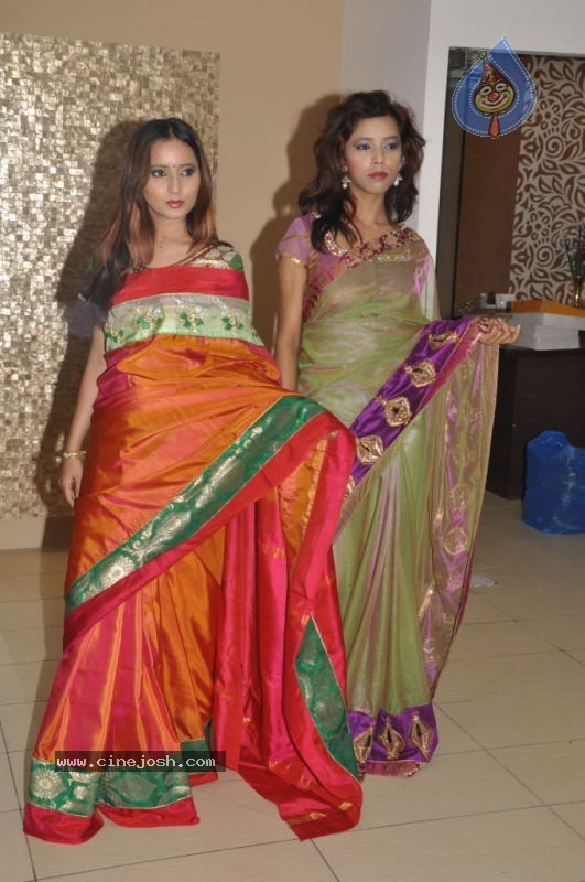 Models at TRISHA A Trendy Wish