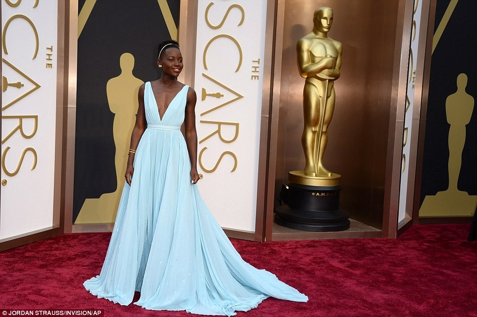 Oscar Awards 2014 Red Carpet - Click for next photo