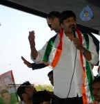 Chiru gets Rousing Reception at RGI Airport - 1 of 19