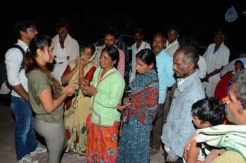 Sri Reddy Distributes Blankets for Orphans - 3 of 40
