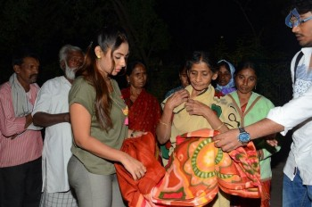 Sri Reddy Distributes Blankets for Orphans - 5 of 40