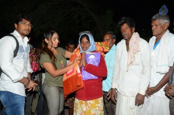 Sri Reddy Distributes Blankets for Orphans - 9 of 40