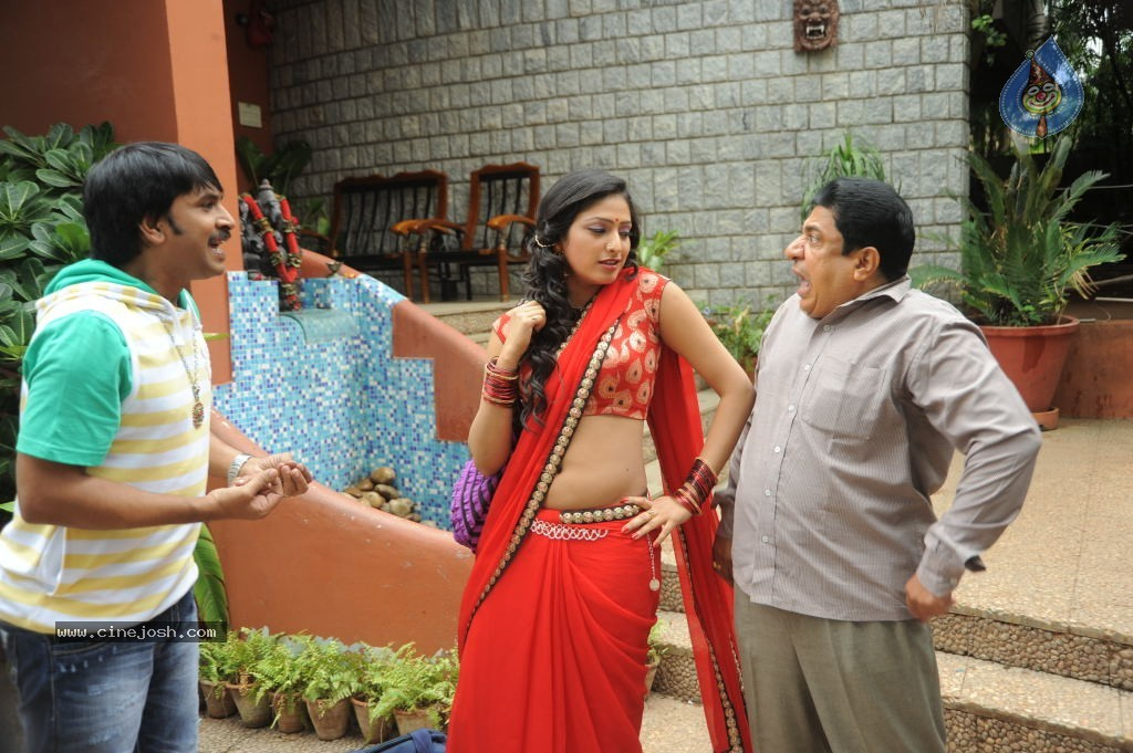 abbai class ammai mass spicy stills photo 18 of 95