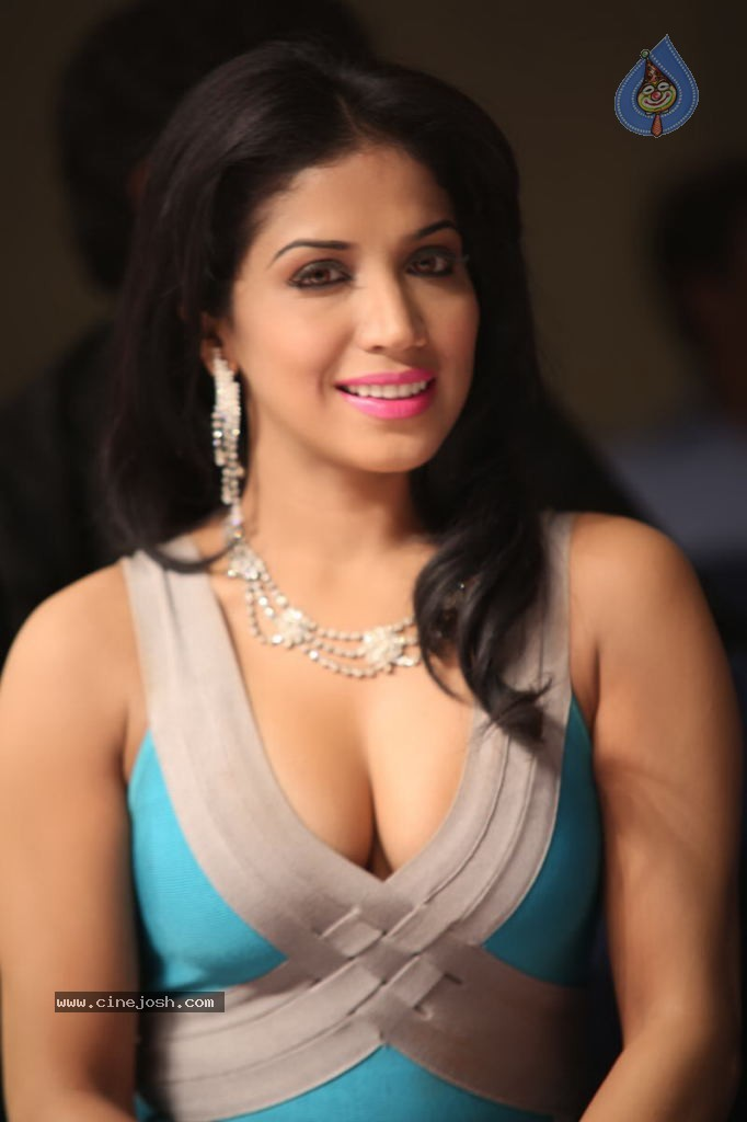 Array - bhavya gowda hot photos   photo 19 of 87  rh   cinejosh com