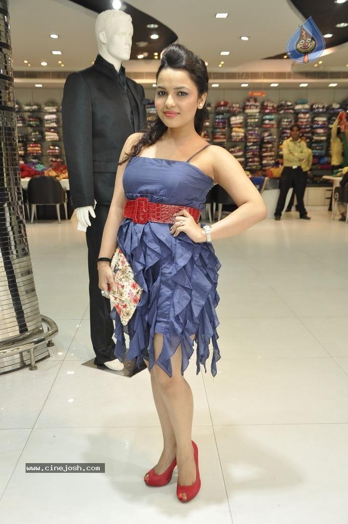 Celebrity Wallpapers - ApunKaChoice.com - Bollywood News