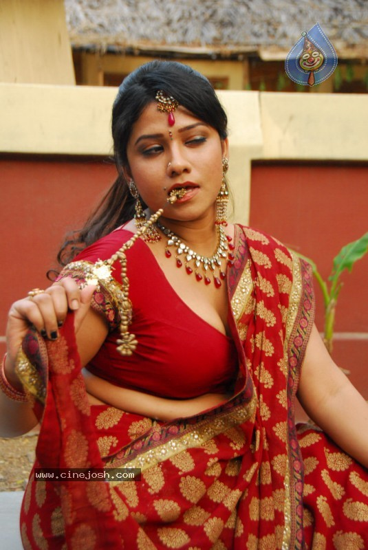Jyothi Spicy Pics - 53 / 54 photos