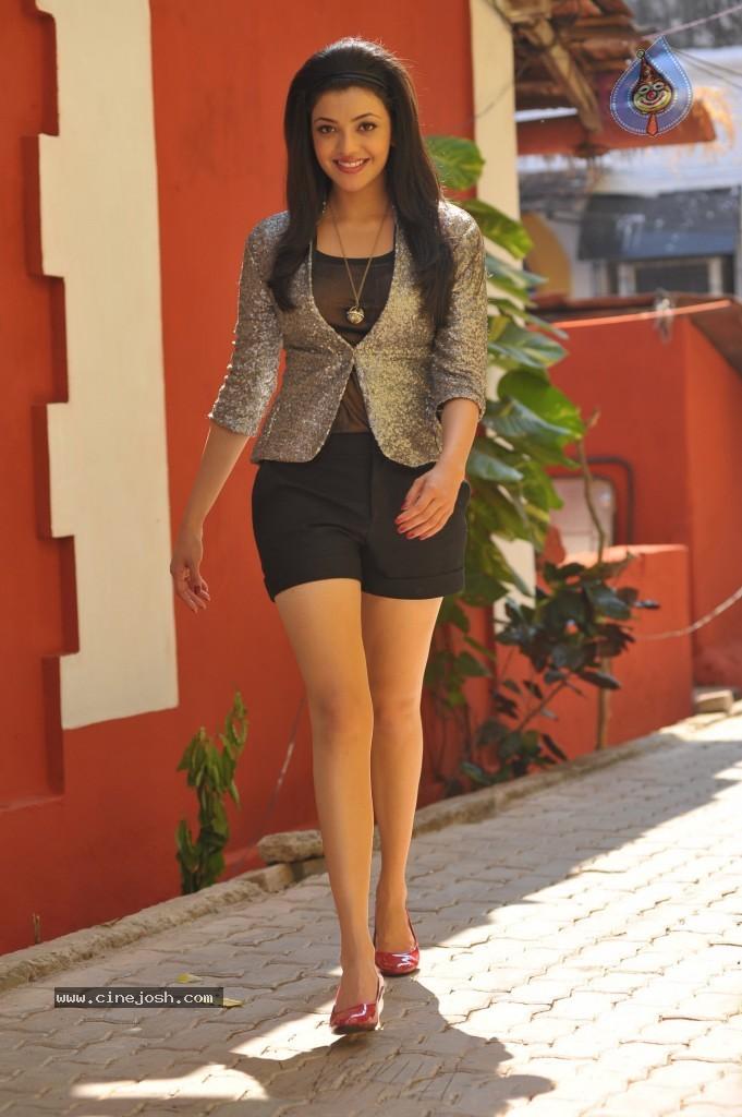 hot hot hot kajal aggarwal skin show latest pixxx