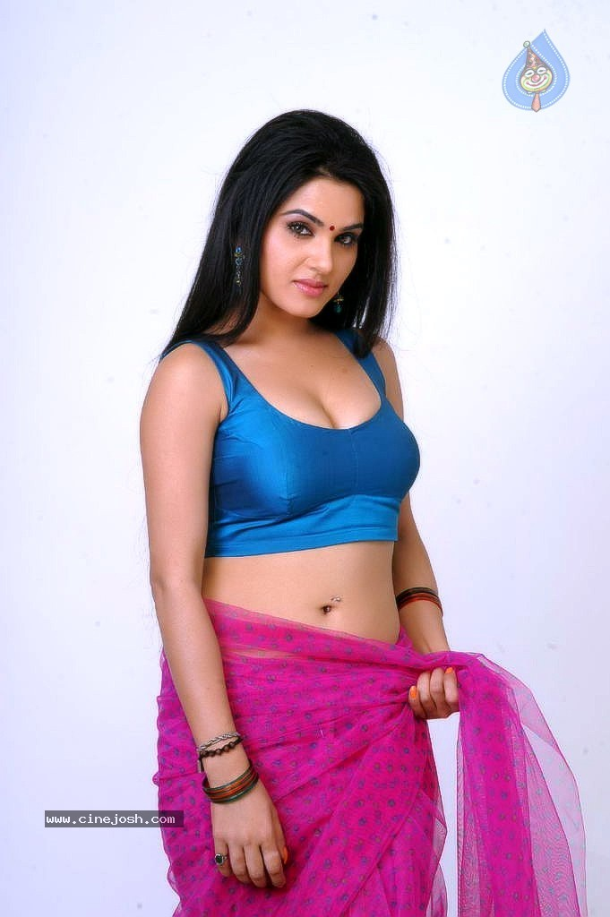 Kavya Singh Spicy Gallery Photo 12 Of 56