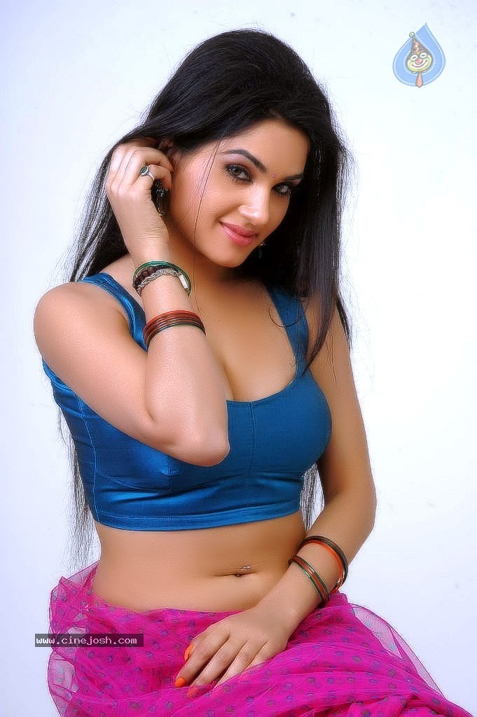 kavya singh spicy gallery   photo 18 of 56