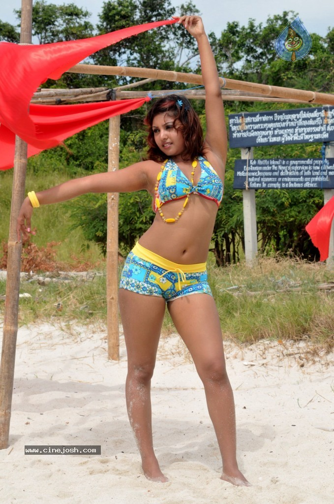 958423a5df Komal Jha Hot   Wet In Bikini...Spicy Pics in Beach... - Page 2